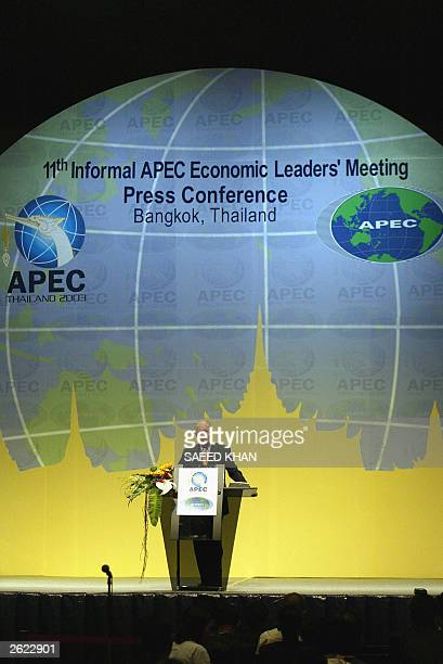 Chilean President Ricardo Lagos speaks at a press conference to close the 2003 APEC summit at the Queen Sirikit Convention Center in Bangkok, 21...