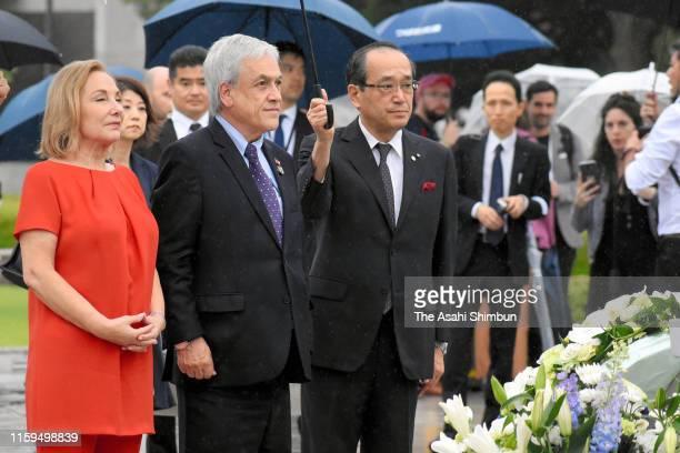 Chilean President Sebastian Pinera visits the Hiroshima Peace Memorial Park after the G20 summit on June 29 2019 in HIroshima Japan World leaders...