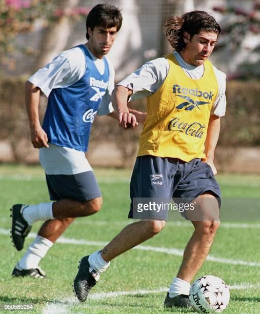 Chilean soccer player Marcelo Salas practices in Santiago Chile 18 June 1999 El seleccionado chileno Marcelo Salas participa en la practica del...