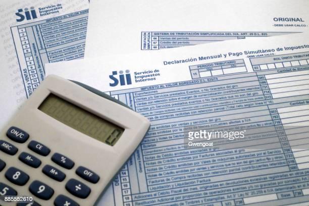 chileense belastingformulier - gwengoat stockfoto's en -beelden