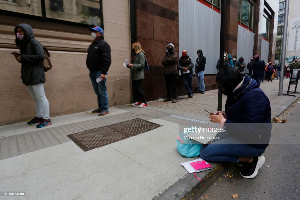 Unemployment Record in Santiago Metropolitan Area : News Photo