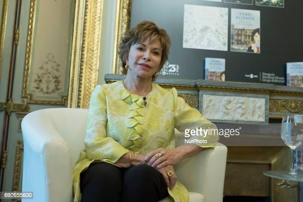 isabel allende style of writing