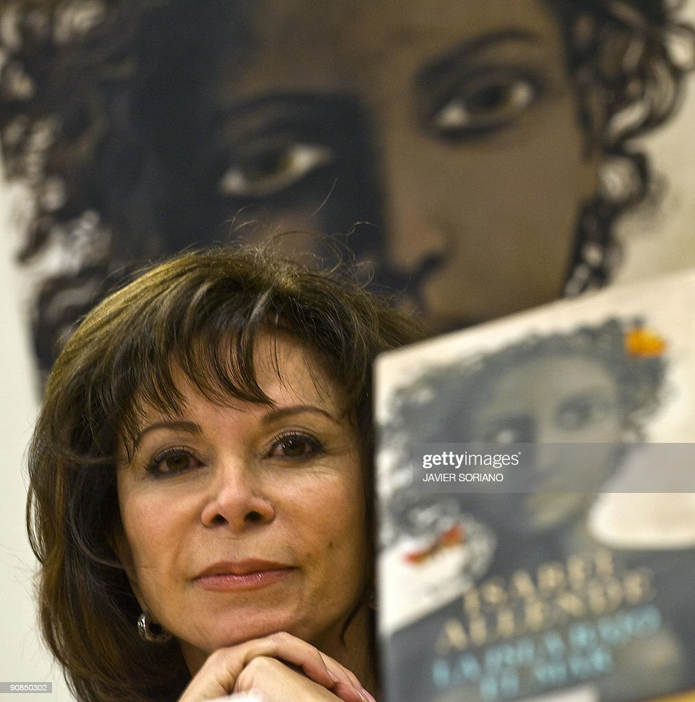 Chilean writer Isabel Allende gives a press conference for the presentation of her new book 'La Isla Bajo El Mar' (The Island under the Sea) in Madrid on September 16, 2009.