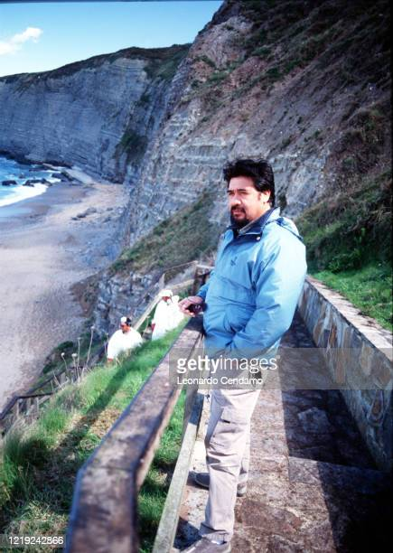Chilean writer Luis Sepulveda near cliffs Gijon 11th April 2003 Photo by Leonardo Cendamo / Getty Images