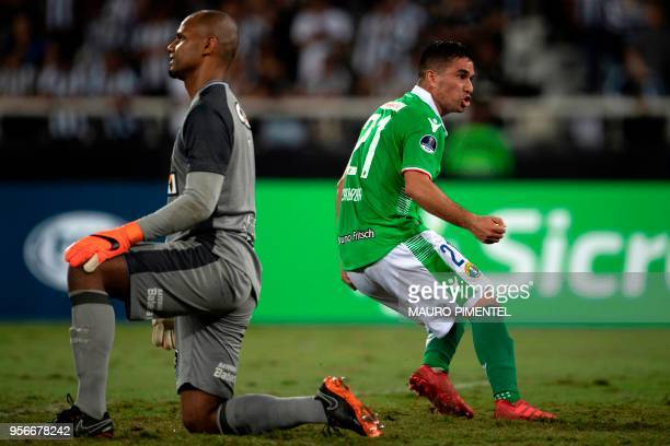 Chile's Audax Italiano player Luis Cabrera celebrates after scoring a goal against Brazil's Botafogo's Jefferson during a Copa Sudamericana 2018...