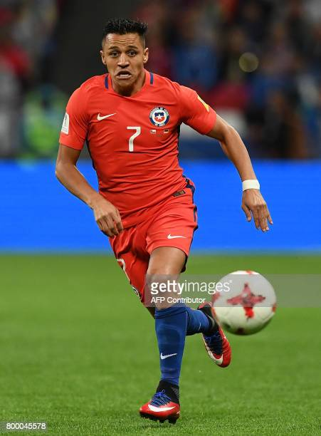 Chile's forward Alexis Sanchez controls the ball during the 2017 Confederations Cup group B football match between Germany and Chile at the Kazan...