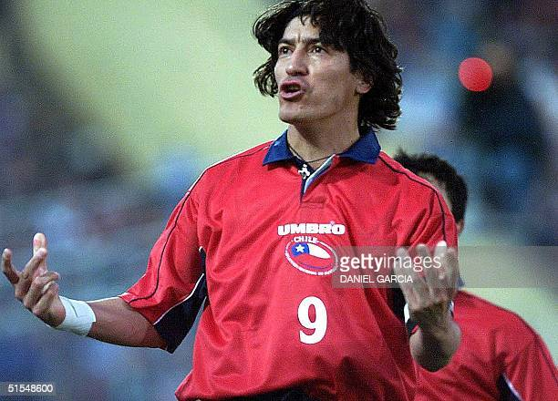 Chile's Ivan Zamorano celebrates after scoring a penalty 03 June during the first half of their JapanKorea World Cup 2002 elimination game in...
