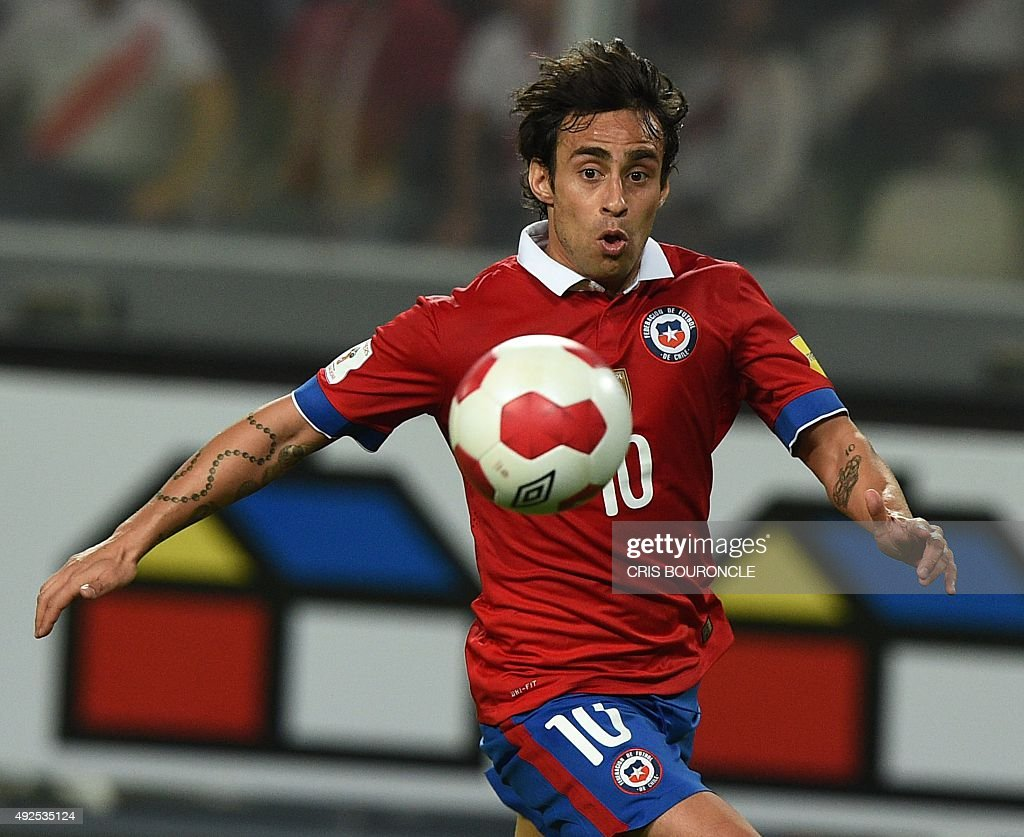 Top Chile World Cup 2018 - chiles-jorge-valdivia-eyes-the-ball-during-their-russia-2018-world-picture-id492535124  Gallery_949752 .com/photos/chiles-jorge-valdivia-eyes-the-ball-during-their-russia-2018-world-picture-id492535124
