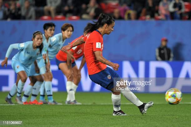 Chile's midfielder Francisca Lara misses a penalty kick during the France 2019 Women's World Cup Group F football match between Thailand and Chile on...