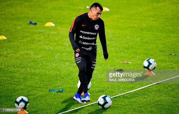Chile's player Gary Medel takes part in a training session in Porto Alegre Brazil on June 30 2019