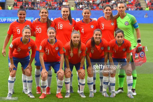 Chile's players pose ahead of the France 2019 Women's World Cup Group F football match between Thailand and Chile on June 20 at the Roazhon Park...
