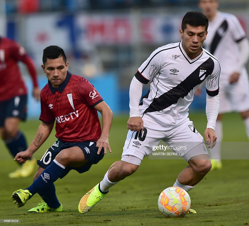 FBL-SUDAMERICANA-CATOLICA-DANUBIO : News Photo