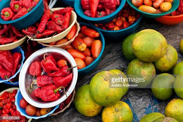 chili and oranges - lagos stock-fotos und bilder