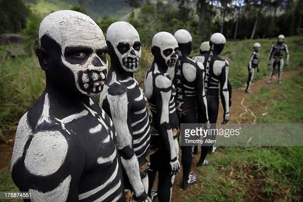 Chimbu Skeleton Dancers queue