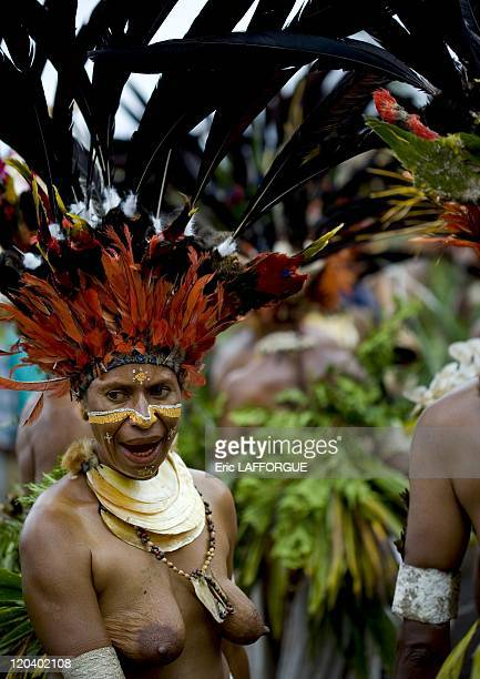 Chimbu woman in Mount Hagen Papua New Guinea on August 19 2007 The cultural show in Mount Hagen in the Western Highlands of Papua New Guinea takes...
