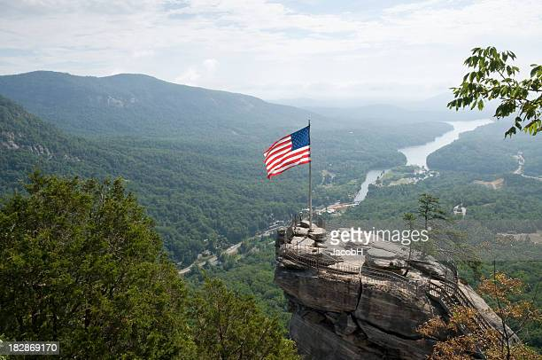 chimney rock - north carolina photos et images de collection