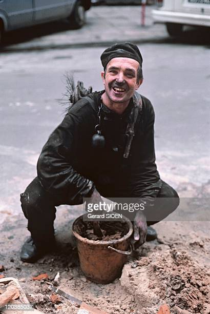 Chimney sweep in Poland in 1985 A chimney sweep in the street