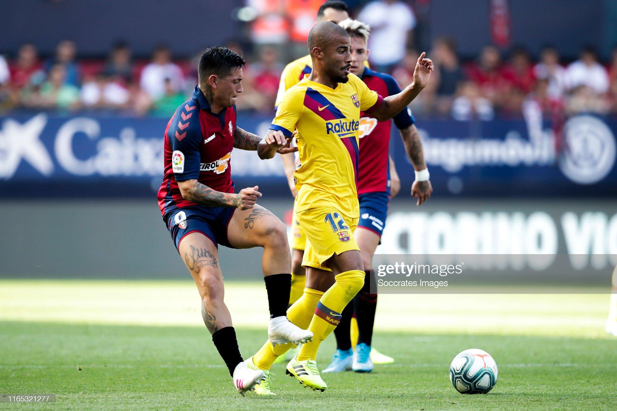 صور مباراة : أوساسونا - برشلونة 2-2 ( 31-08-2019 )  Chimy-avila-of-ca-osasuna-rafinha-of-fc-barcelona-during-the-la-liga-picture-id1165321277?s=2048x2048
