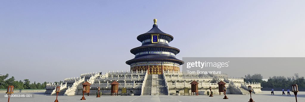China, Beijing, Hall of Prayer (Qinian Dian), Temple of Heaven and blue sky : Foto stock