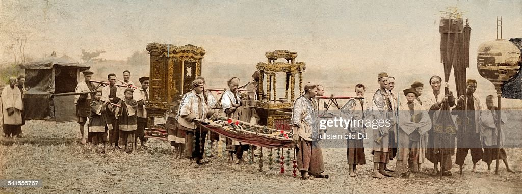 China: Chinese Funeral with decorated sedan chair - 1900Vintage property of ullstein bild : News Photo