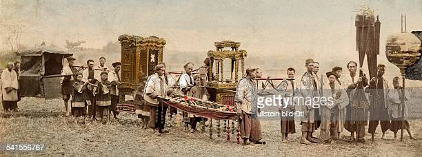 China Chinese Funeral with decorated sedan chair 1900Vintage property of ullstein bild
