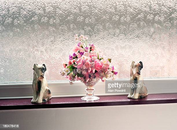China Dogs and bouquet of flowers
