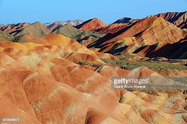 china, gansu, colorful danxia landform in zhangye - 丹霞地形 ストックフォトと画像