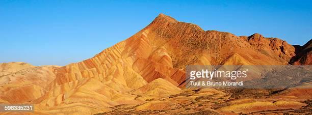 china, gansu, colorful danxia landform in zhangye - 甘粛張掖国家地質公園 ストックフォトと画像