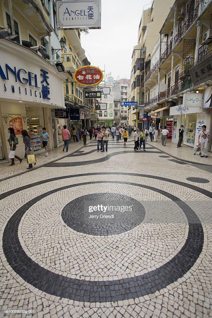 China, Macau Special Administrative Region, Shops along Rua da Palha near Senado Square (Largo do Senado) : Stockfoto