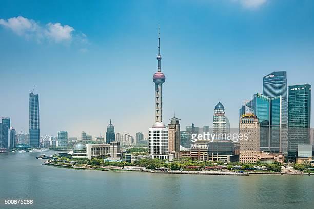china shanghai pudong-skyline - mlenny stock-fotos und bilder