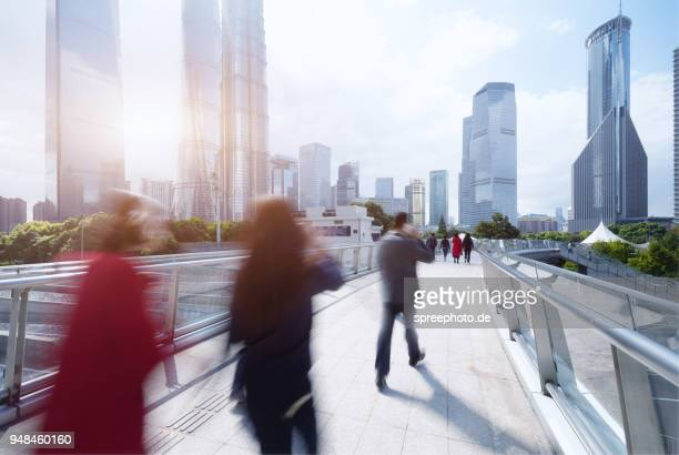 china, shanghai skyline - kapitell stock-fotos und bilder