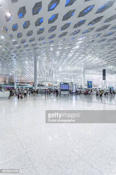china, shenzen airport terminal - space station photos et images de collection