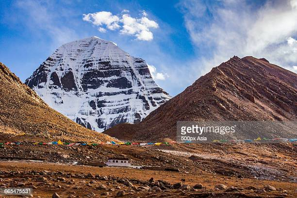 china, tibet, mt kailash in kailash range with prayer flags - mt kailash stock pictures, royalty-free photos & images