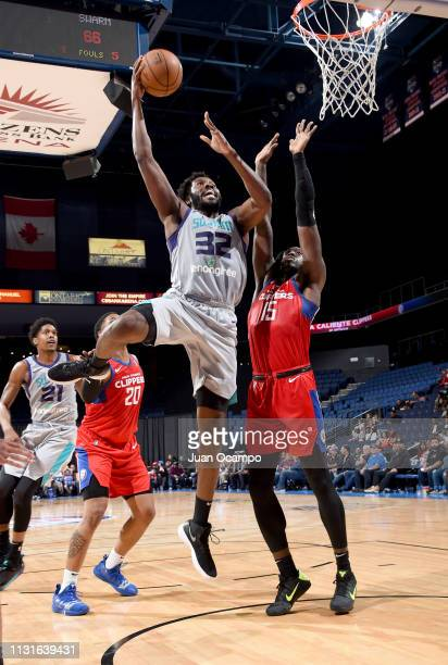 Chinanu Onuaku of the Greensboro Swarm goes to the basket against Johnathan Motley of the Agua Caliente Clippers of Ontario on March 19 2019 at...
