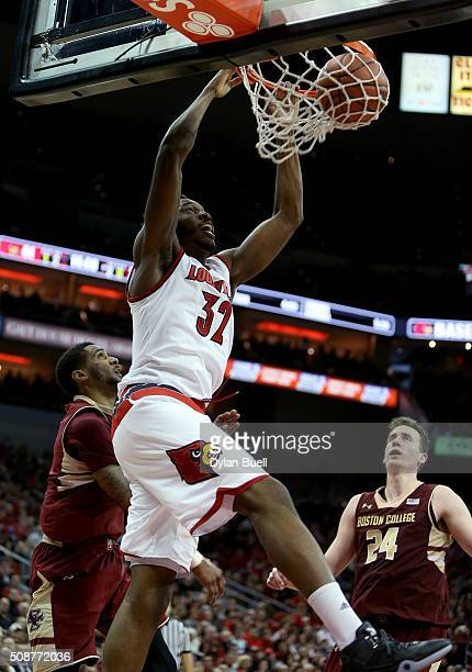 Chinanu Onuaku of the Louisville Cardinals dunks during the second half against the Boston College Eagles at KFC Yum Center on February 6 2016 in...
