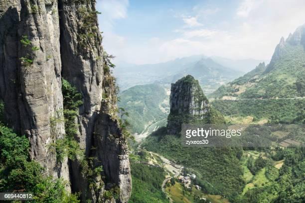 china's hubei province, enshi mountain scenic spots. - flanco de valle fotografías e imágenes de stock