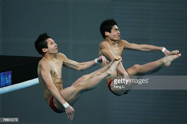 China's Lin Yue and Huo Liang who win the first place compete in the men's 10 meter synchronized platform final of the 'Good Luck Beijing' 2008 16th...