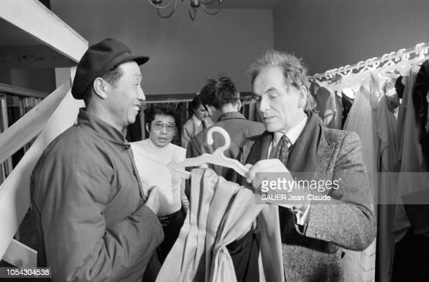 dans le monde de la mode c'est l'évênement de l'année Pierre CARDIN a présenté sa collection haute couture à Pékin et à Shanghaï Les envoyés spéciaux...