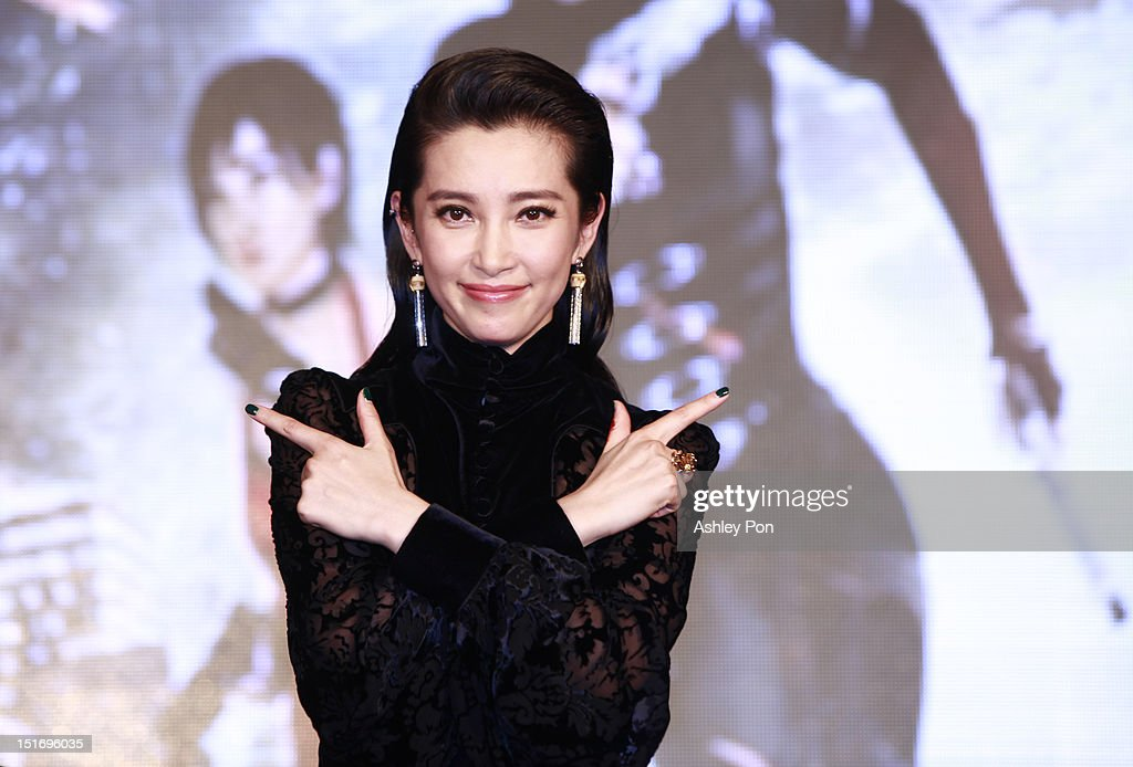 Chinese actress/singer Li Bingbing poses for a photograph at the 'Resident Evil 5: Retribution' premiere on September 10, 2012 in Taipei, Taiwan.