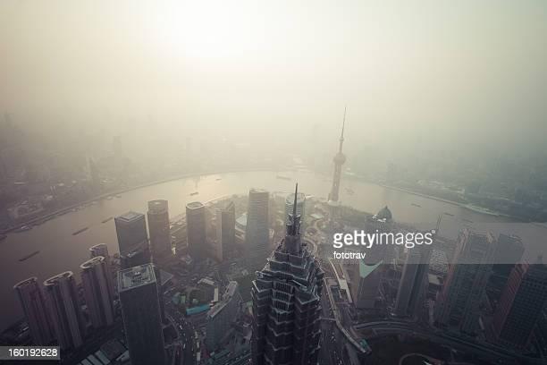 中国の空気汚染、上海,中国 - スモッグ ストックフォトと画像