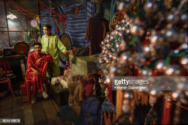 chinese backstage - peking opera stock photos and pictures