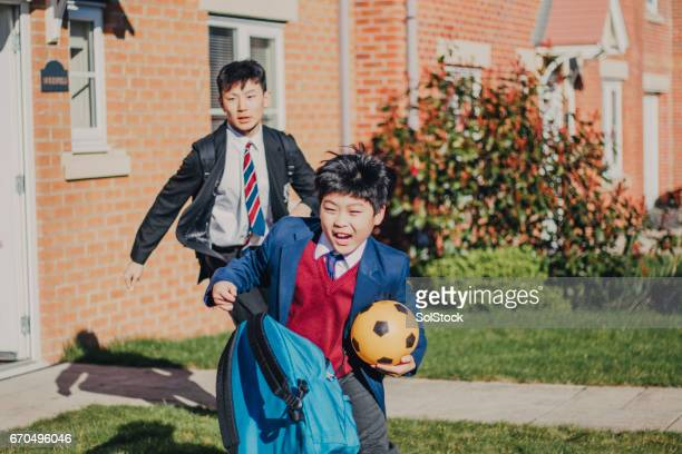 Chinese Brothers Rushing to School!