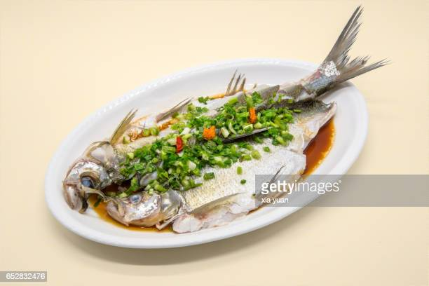 chinese cuisine:steamed fish with scallion - 蒸し ストックフォトと画像