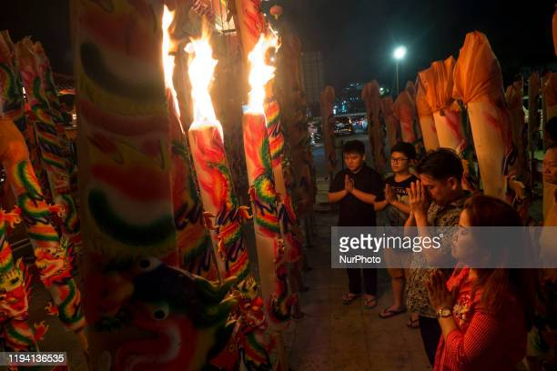 Chinese descendants perform prayers at the end of 2570 Chinese calendar at Budhi Bhakti Temple, Batam, Riau Islands, Indonesia on 17 January 2020....