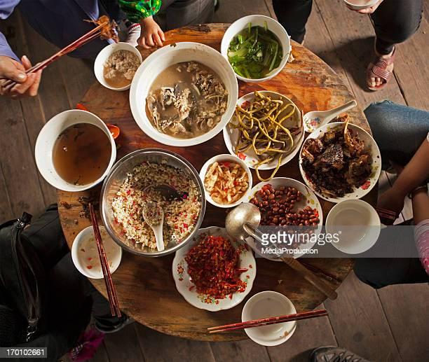 Chinesisches Abendessen wie zu Hause fühlen.