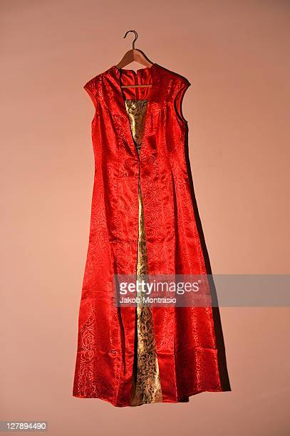 chinese female wedding dress - jakob montrasio stock pictures, royalty-free photos & images