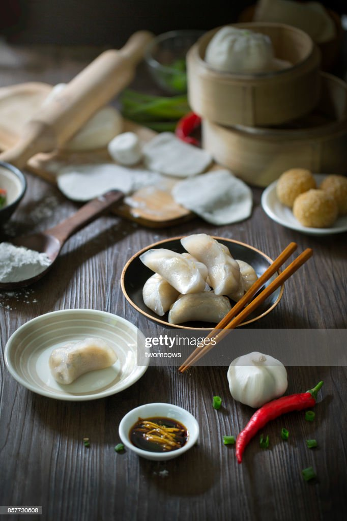 Chinese food steamed dumplings how many calories are in chinese steamed shrimp dumplings recipe food network kitchen food network forumfinder Image collections
