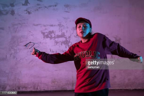 chinese girls dance hip-hop - dance troupe bildbanksfoton och bilder