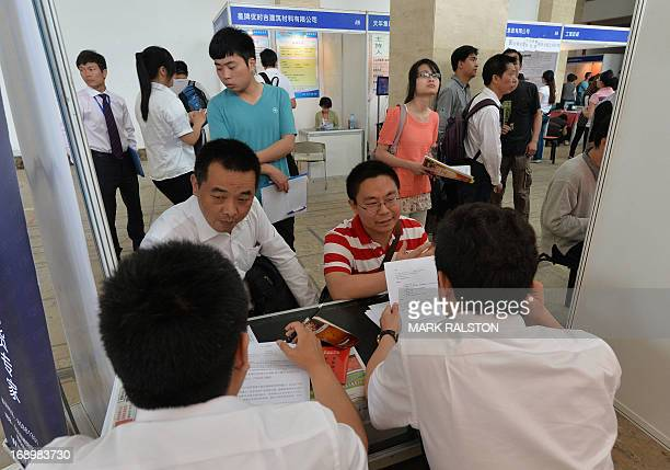 79 Job Applicants Find Jobs In China Photos And Premium High Res Pictures Getty Images