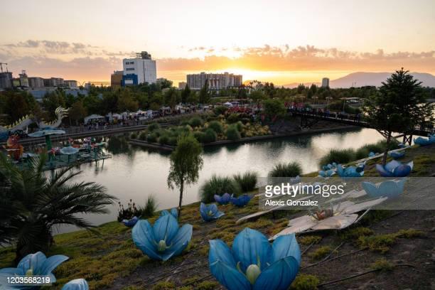 chinese lantern festival in santiago de chile - santiago chile imagens e fotografias de stock